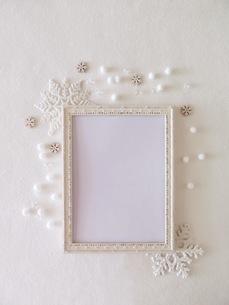 白いフォトフレームの写真素材 [FYI03428889]