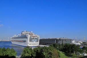 横浜港 新港埠頭客船ターミナルの写真素材 [FYI03429094]