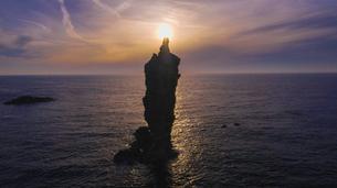 隠岐の島のローソク岩の写真素材 [FYI03429183]
