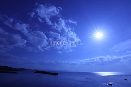 夏の日本海の写真素材 [FYI03429186]