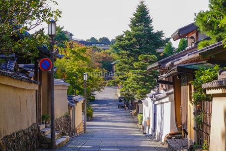 京都らしい町並みが続く「ねねの道」界隈の写真素材 [FYI03429256]