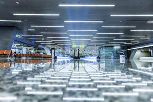 ハマド国際空港ターミナル風景の写真素材 [FYI03429263]