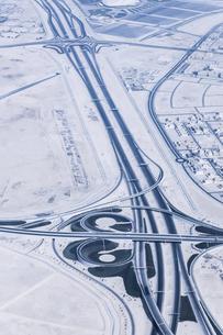 上空から見るドーハのインターチェンジ風景の写真素材 [FYI03429269]