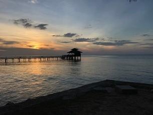 ビンタン島 サンセットの写真素材 [FYI03429547]
