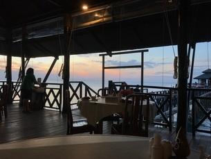 ビンタン島 サンセットの写真素材 [FYI03429549]