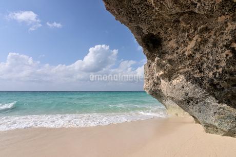 宮古島/来間島・長間浜ビーチの11月の風景の写真素材 [FYI03429601]
