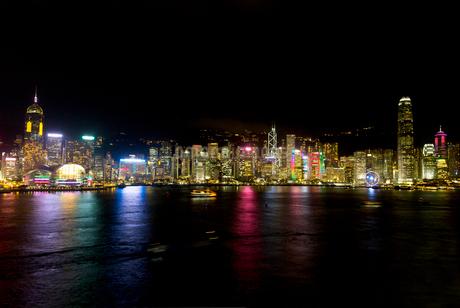 香港 中環  夜景の写真素材 [FYI03429993]
