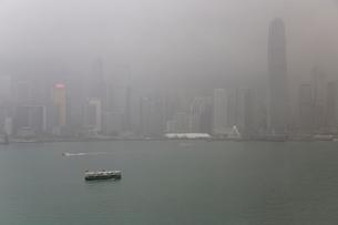 香港 雨季の写真素材 [FYI03430330]
