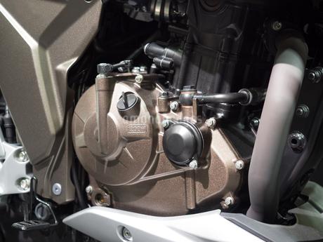 オートバイのステップの写真素材 [FYI03430613]