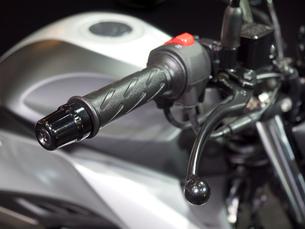 オートバイのハンドルの写真素材 [FYI03430615]