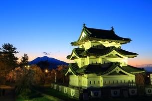弘前城本丸夜景の写真素材 [FYI03430798]