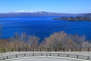発荷峠展望台より望む十和田湖の写真素材 [FYI03430851]