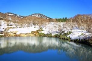 地獄沼と八甲田連峰の写真素材 [FYI03430866]