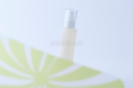 コスメ 化粧品イメージの写真素材 [FYI03432174]