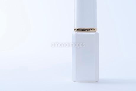 コスメ 化粧品イメージの写真素材 [FYI03432179]