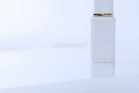 コスメ 化粧品イメージの写真素材 [FYI03432182]
