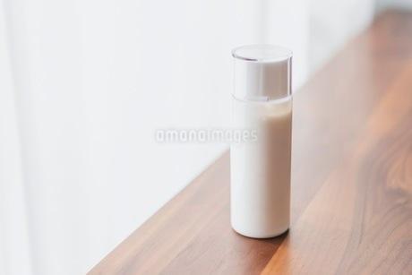 コスメ 化粧品イメージの写真素材 [FYI03432223]