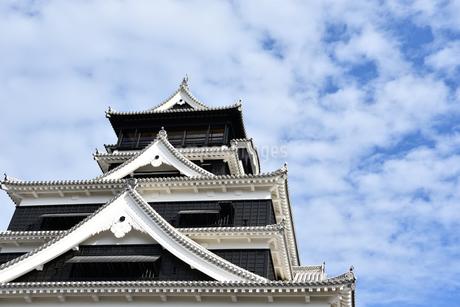 熊本城と青空の写真素材 [FYI03432458]