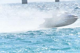 水上オートバイの写真素材 [FYI03432724]