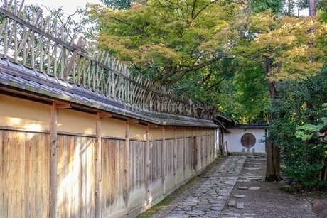 京都らしい町並み ねねの道から続く敷石の小路の写真素材 [FYI03432759]