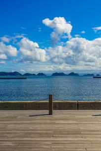 海上アルプスこと日本海の青海島遠望の写真素材 [FYI03433155]