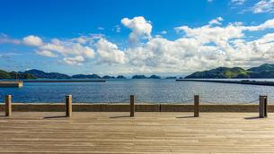 海上アルプスこと日本海の青海島遠望の写真素材 [FYI03433156]