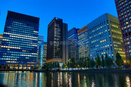 丸の内 オフィス街 東京の写真素材 [FYI03433228]