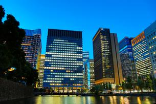 丸の内 オフィス街 東京の写真素材 [FYI03433229]