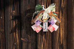 注連縄 正月飾りの写真素材 [FYI03434063]