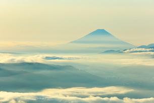 高ボッチ高原より富士山の写真素材 [FYI03434208]