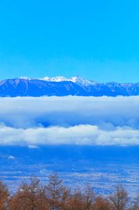 秋の高ボッチ高原より北アルプスの山々の写真素材 [FYI03434217]