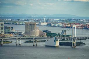 カレッタ汐留の展望台から見える東京の街並みの写真素材 [FYI03434332]