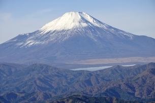 初冬富士眺望の写真素材 [FYI03434378]