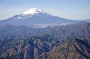 初冬富士眺望の写真素材 [FYI03434380]