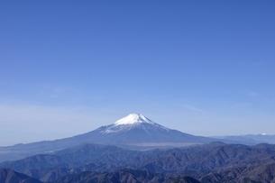 初冬の富士山の写真素材 [FYI03434417]