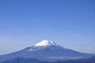 初冬の富士山の写真素材 [FYI03434418]