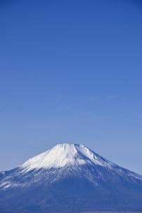初冬の富士山の写真素材 [FYI03434420]