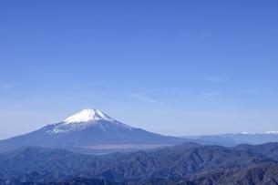 初冬の富士山の写真素材 [FYI03434421]