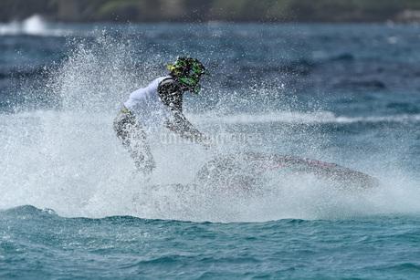 水上オートバイの写真素材 [FYI03434603]