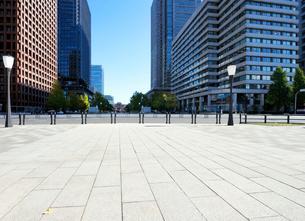 行幸通りから見る東京駅方向の眺めの写真素材 [FYI03434824]