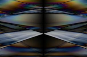 クールなガラス質感のメタリックなアブストラクトのイラスト素材 [FYI03434912]