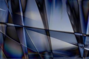 クールなガラス質感のメタリックなアブストラクトのイラスト素材 [FYI03434925]