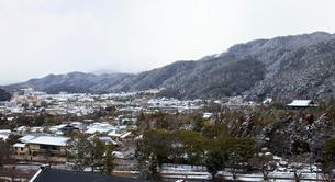 京都 雪 左京区の写真素材 [FYI03435770]