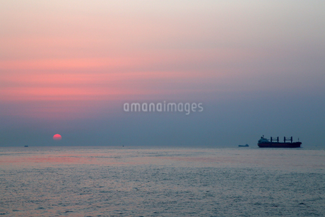 淡路島 水平線 背景の写真素材 [FYI03435793]