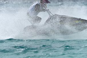 水上オートバイの写真素材 [FYI03435941]