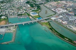 沖縄の航空写真の写真素材 [FYI03435951]