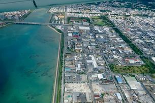 沖縄の航空写真の写真素材 [FYI03435955]