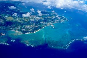 沖縄の航空写真の写真素材 [FYI03435970]