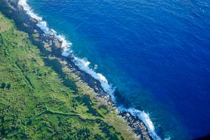 沖縄離島の航空写真の写真素材 [FYI03435977]