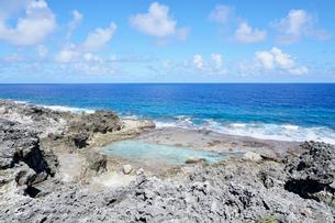 沖縄離島の海の写真素材 [FYI03435979]